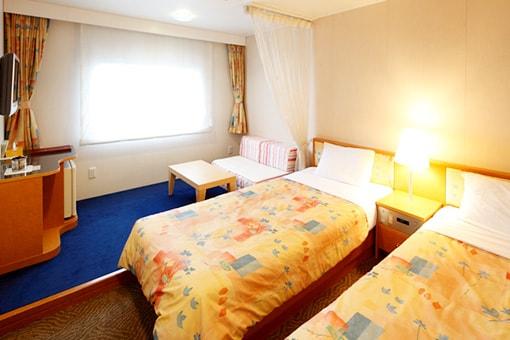 http://www.taiheiyo-ferry.co.jp/senpaku/kiso/img/pic_kiso_room06.jpg