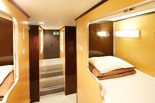 http://www.taiheiyo-ferry.co.jp/senpaku/kiso/img/pic_kiso_room11.jpg